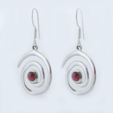 Stone: Garnet (Earring)