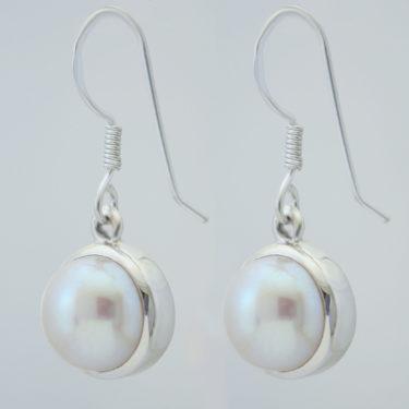 Stone: Pearl (Earring)